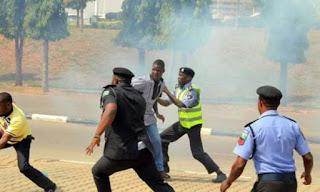 Nigeria Rusuh, Ratusan Pengikut Syiah Bentrok dengan Aparat Pemerintah