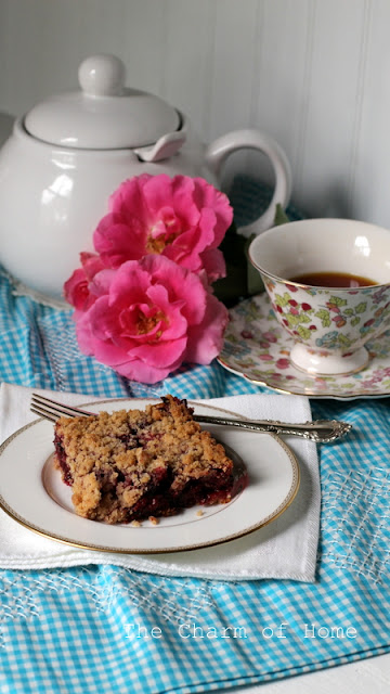 Blackberry Pie Bars: The Charm of Home