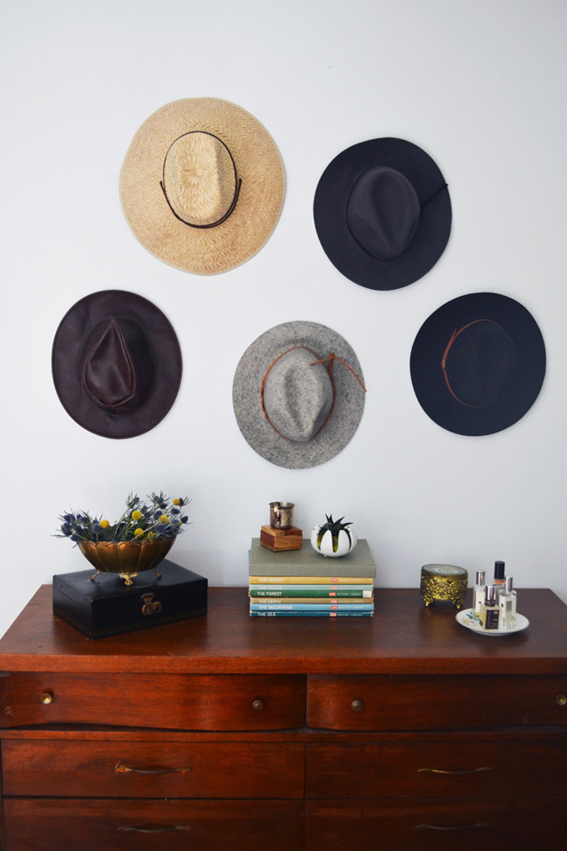 Decorar la pared con sombreros ¿si o no?