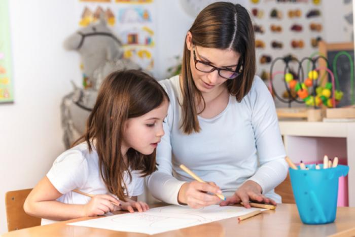 Mách mẹ bí quyết giúp con học tốt