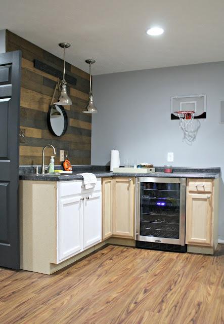 Basement kitchenette layout