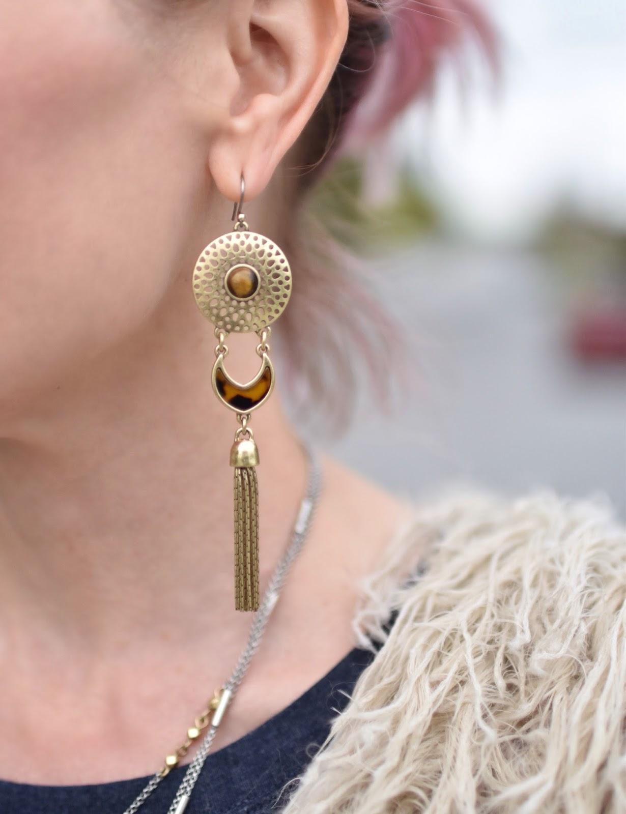 Monika Faulkner outfit inspiration - Lucky Brand brass and tortoiseshell earring