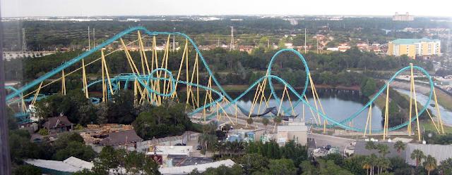 Montanha-russa Kraken no Sea World em Orlando