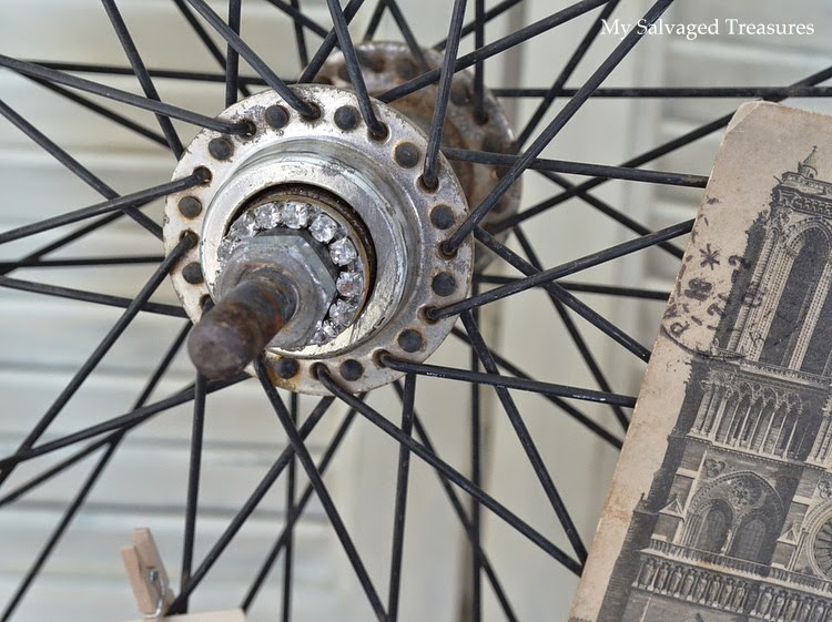 MySalvagedTreasures.blogspot.com repurposed bicycle wheel