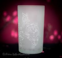 Graveeritud klaas: kiisu ja lilled