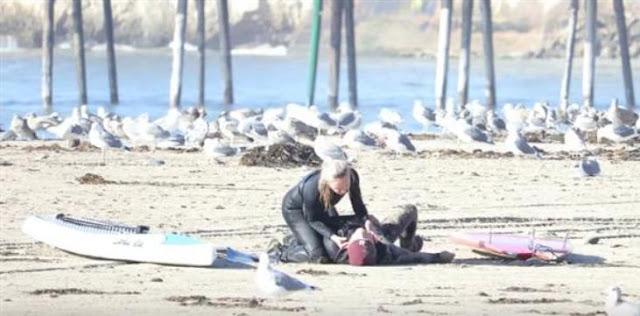 Του έσωσε τη ζωή με το πρώτο της φιλί, στο πρώτο τους ραντεβού