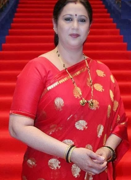 Old Actress Geetha In Red Saree Photos South Aunty
