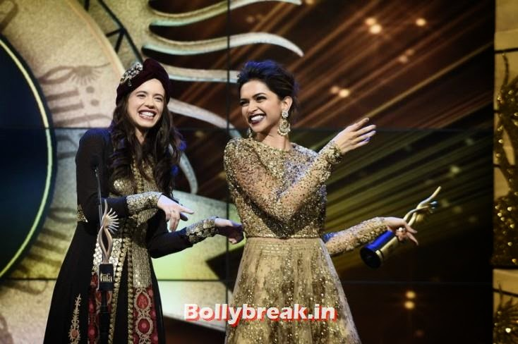 Kalki Koechlin and Deepika Padukone, IIFA 2014 Dance Performance Pics