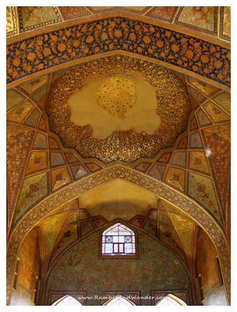 Iran: Chehelsotoon Museum, Esfahan - Ramble and Wander