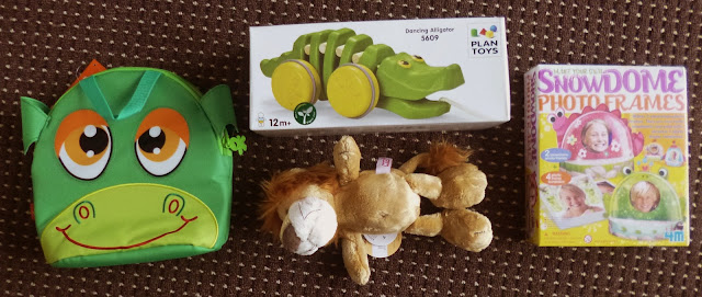 Yorkshire Blog, Mummy Blogging, Parent Blog, Great Gizmos, Review, Snow Dome, alligator, Lion, Lunch Bag,