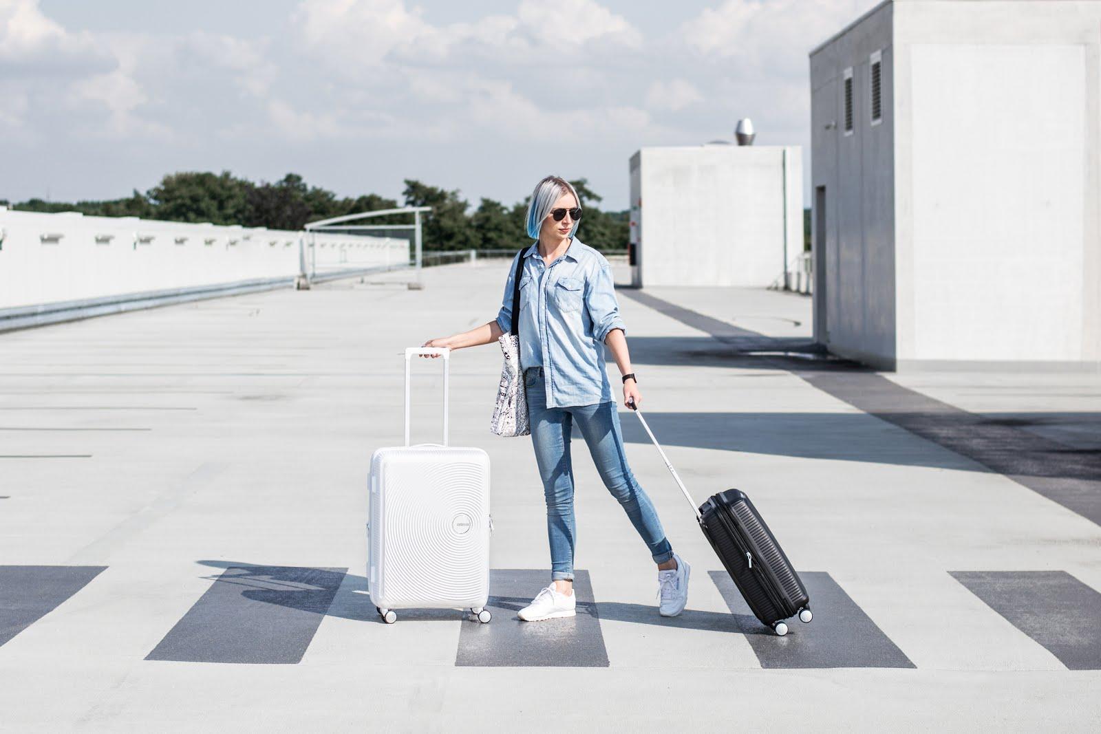 american tourister soundbox medium, black, larg, white, suitcase, trolley, cabin case, editorial, meandmyat