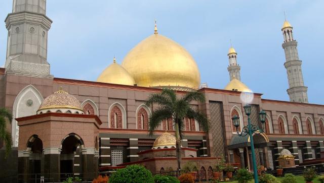 Wisata di Depok Masjid Kubah Emas