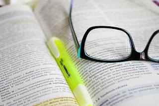 word order atau urutan kata sifat dalam bahasa Inggris Menentukan Urutan Kata Sifat Pada Noun Phrase