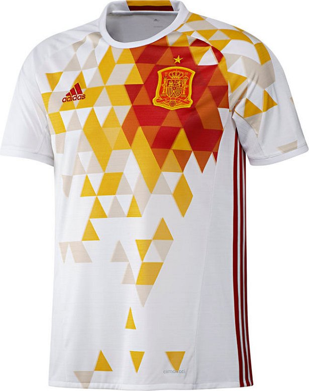 fe9e858259708 A maldição da camisa branca da Espanha nunca falha - Show de Camisas