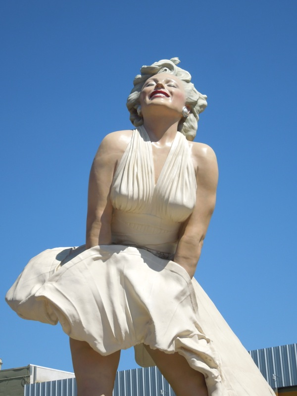 Forever Marilyn statue Palm Springs