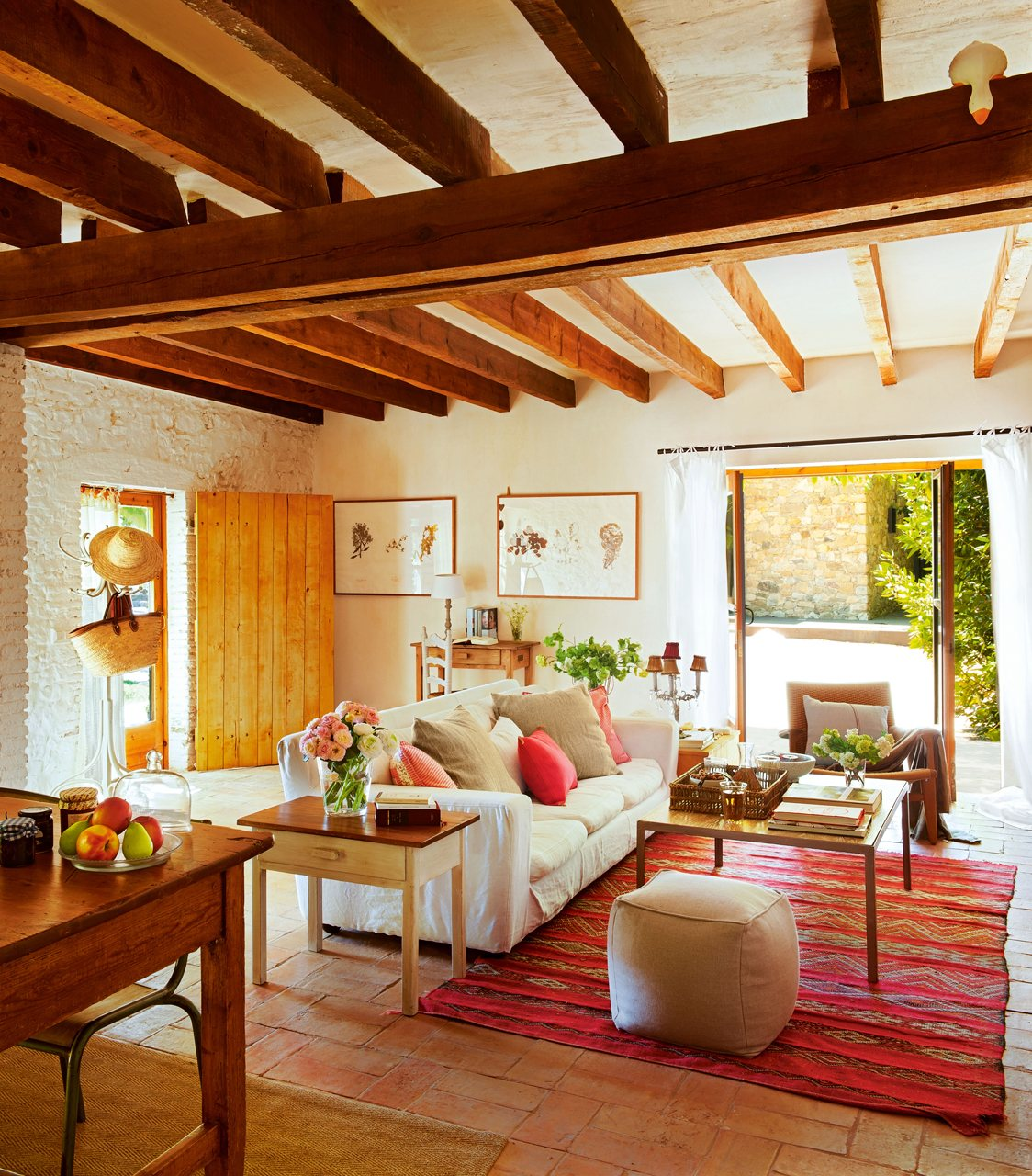 a joyful cottage living large in small spaces baix