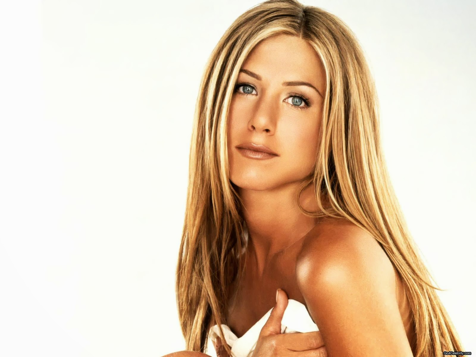 Jennifer Aniston: The Kids Captions: Great Shift Game