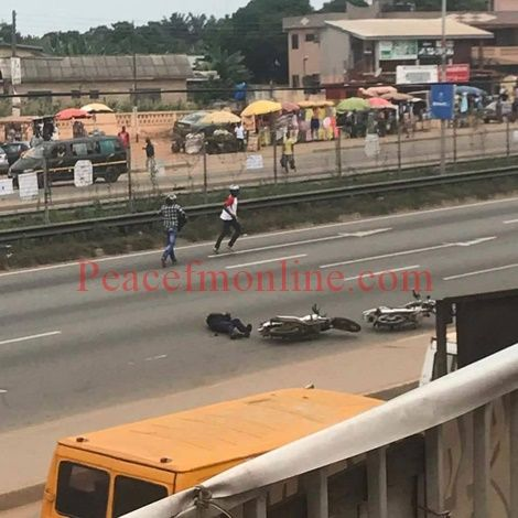 Photos: Robbers shoot Police officer at Lapaz