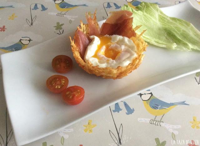 nido-de-patatas-fritas-con-huevo