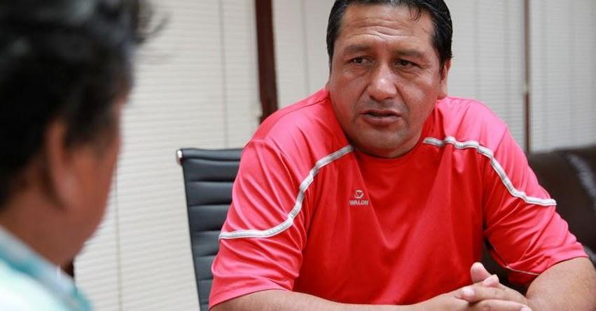 Secretario del Sutep, Alfredo Velásquez pide a maestros ir a trabajar este lunes