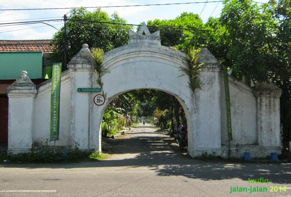 Makam Bathoro Katong Ponorogo