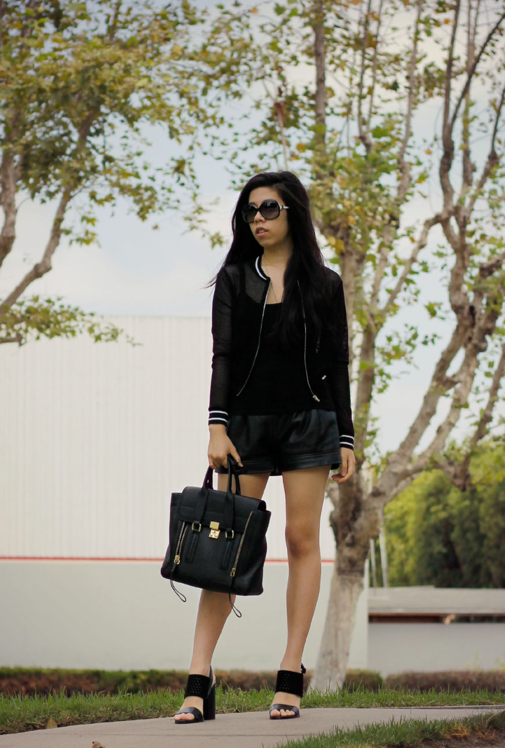 Everyday All Black Outfit - Fashion