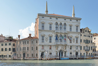 The Palazzo Balbi at the entrance to Rio de Ca' Foscari