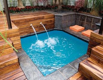 25 desain kolam renang mini unik untuk lahan sempit