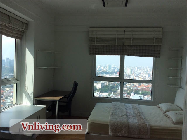 The Manor Studio Apartment for rent high floor in Binh Thanh District