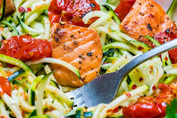 Eat Clean: Garlic Butter Salmon + Zoodles to Lose Weight & Energize!