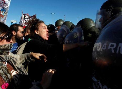Gobierno argentino presenta reforma que criminaliza la protesta