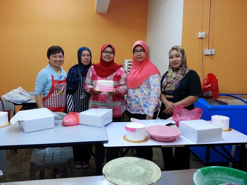 Ombre Cake Decorating Class