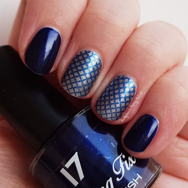 Blue-and-silver-fishnet-nails.jpg