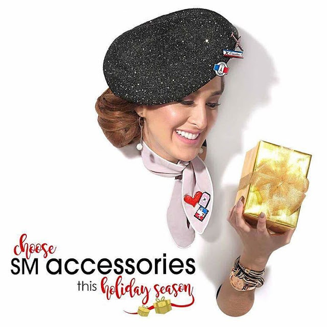 ALL THE GLITZ WITH SM ACCESSORIES