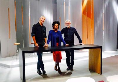Thalma de Freitas apresenta o programa ao lado dos jurados Eder Chiodetto e Cláudio Feijó - Divulgação/Band