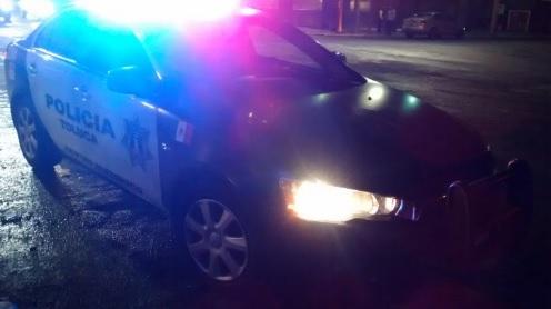 Policías en la noche