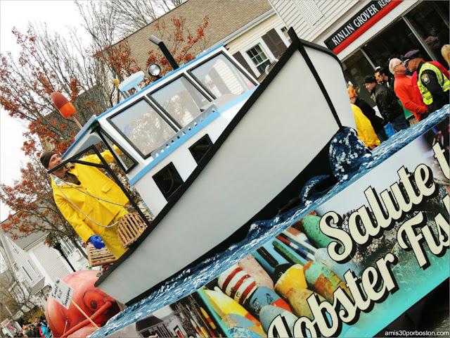 Carroza Langosta en el Desfile de Acción de Gracias en Plymouth