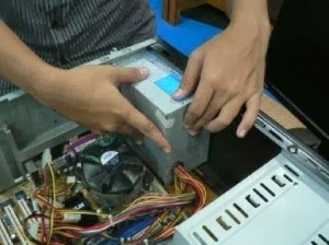 Memasang Power Supply