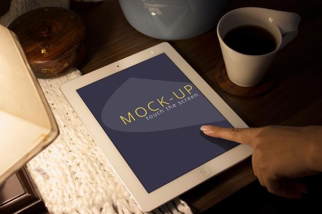 Screen tablet mockup Free Psd