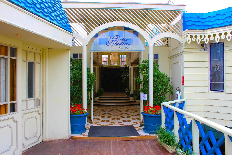 la rosa nautica entrance