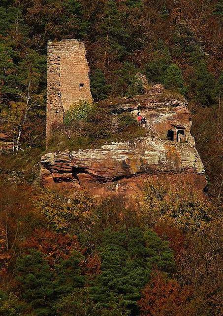 Ruínas atuais do castelo de Arnsbourg.