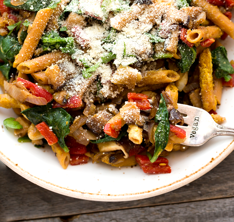 Garlicky Spinach Roasted Red Pepper Penne Pasta
