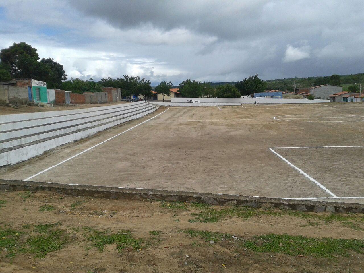 Blog Deixa Comigo Macajuba (DCM)  A bola vai rolar  Campo de Futebol ... 427dd8020ed99
