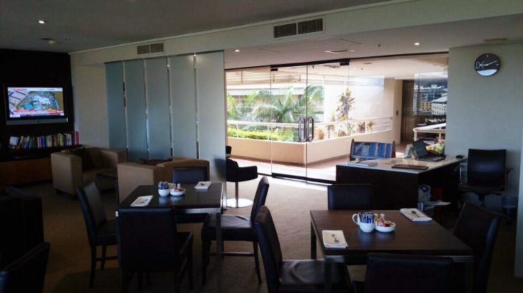 Hilton Cairns, Australia, executive lounge, Euriental