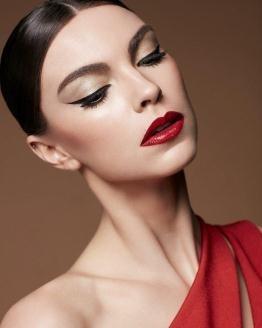 Maquiagem Preto + Vermelho