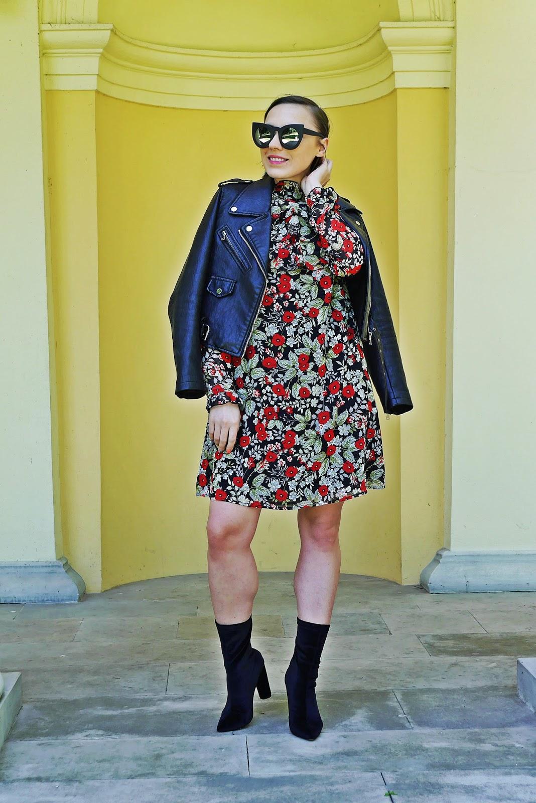 8_sukienka_falbanki_kwiaty_bonprix_skarpetkowe_botki_renee_karyn_blog-Modowy_140518