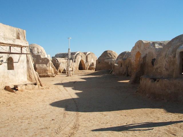 Figura 2 : Tatooine, la planeta en la que vivía Luke Skywalker.