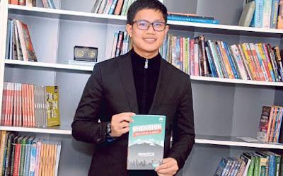"""Biodata Penuh Aiman Banna, Penulis Buku Bestseller """"Henshin"""""""