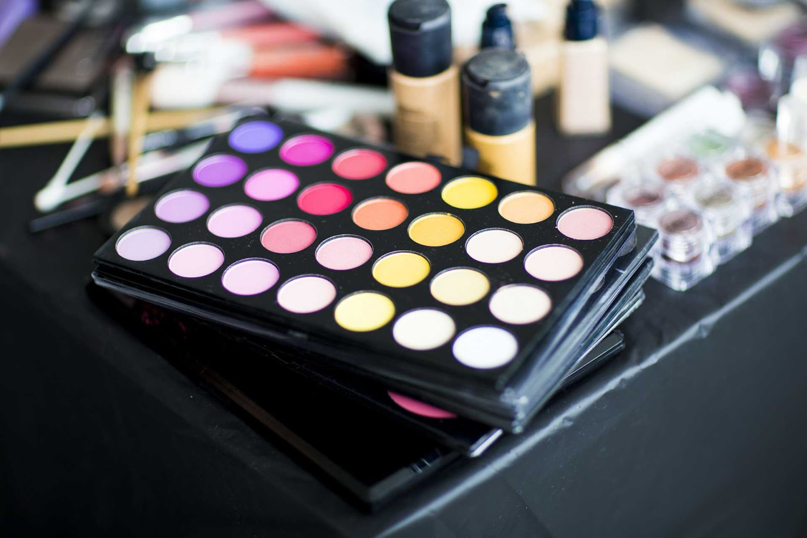 essential makeup artist mua tools equipments