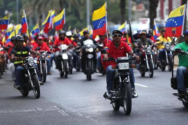 Evalúan dar amnistía a colectivos oficialistas que no cometan delitos de lesa humanidad